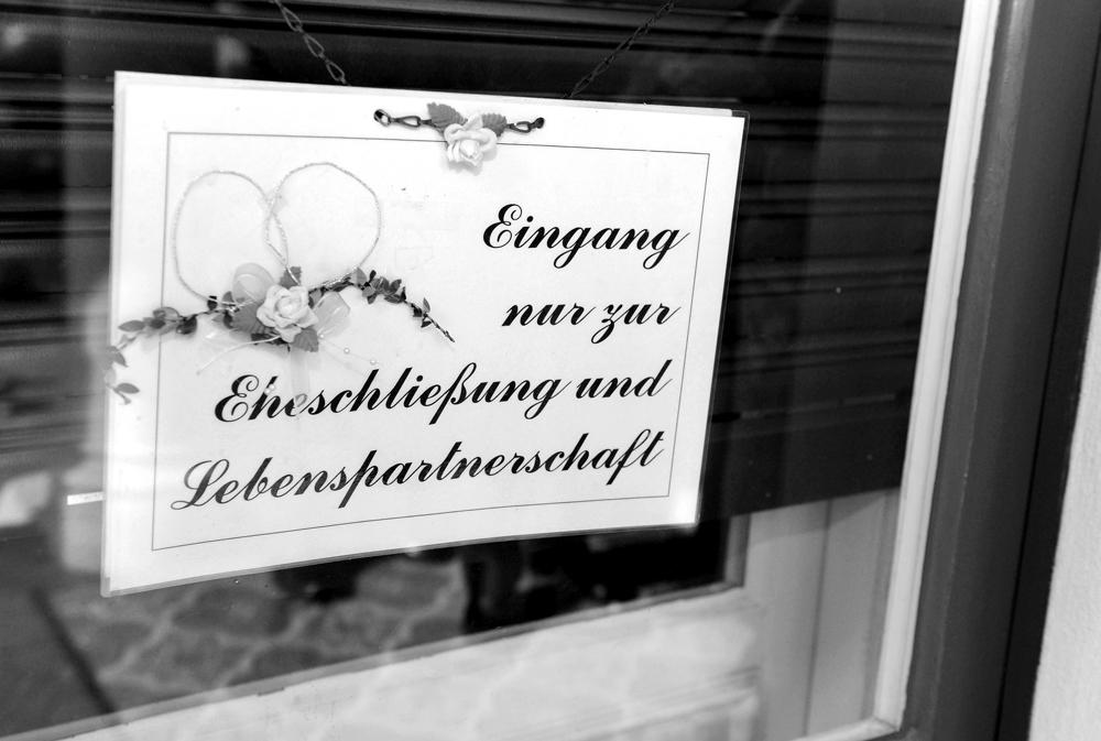 Eheschliessung Standesamt Zehlendorf Hochzeitsfotograf Berlin