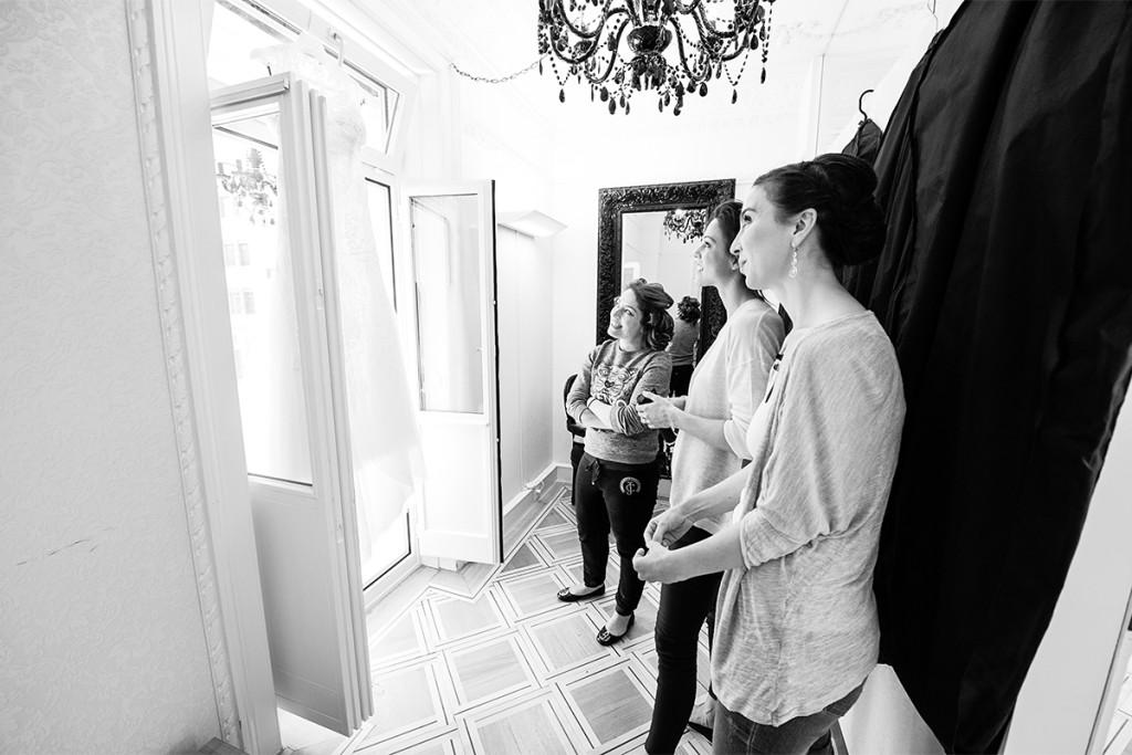 Getting ready Braut Brautjungfern Villa Valentino Zuerich Hochzeitsfotograf berlin