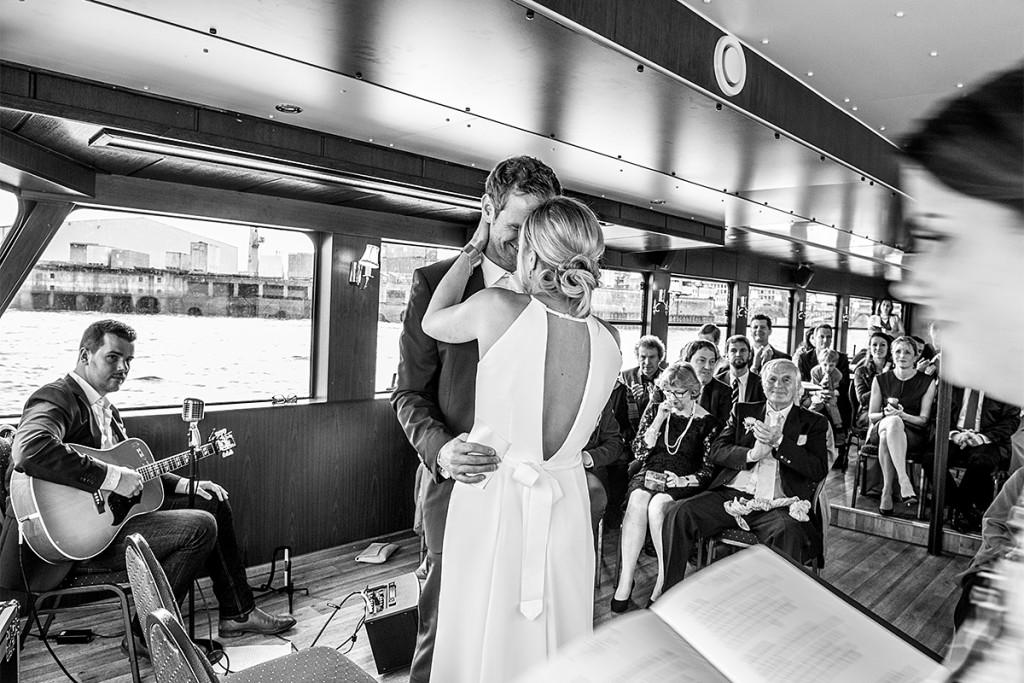 Trauung Schiff Hamburg Hafen Hochzeitsfotograf Hamburg Berlin